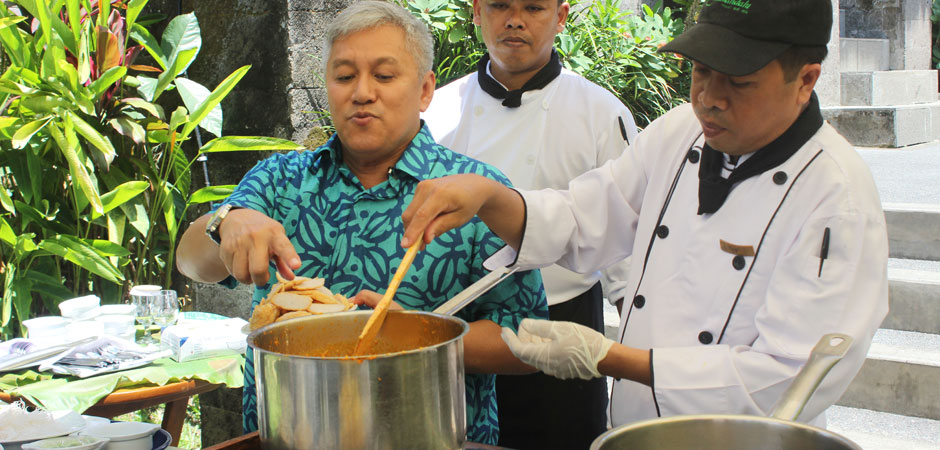 Cooking Demo with Chef Wan at Kamandalu Ubud - Resort and Spa in Bali
