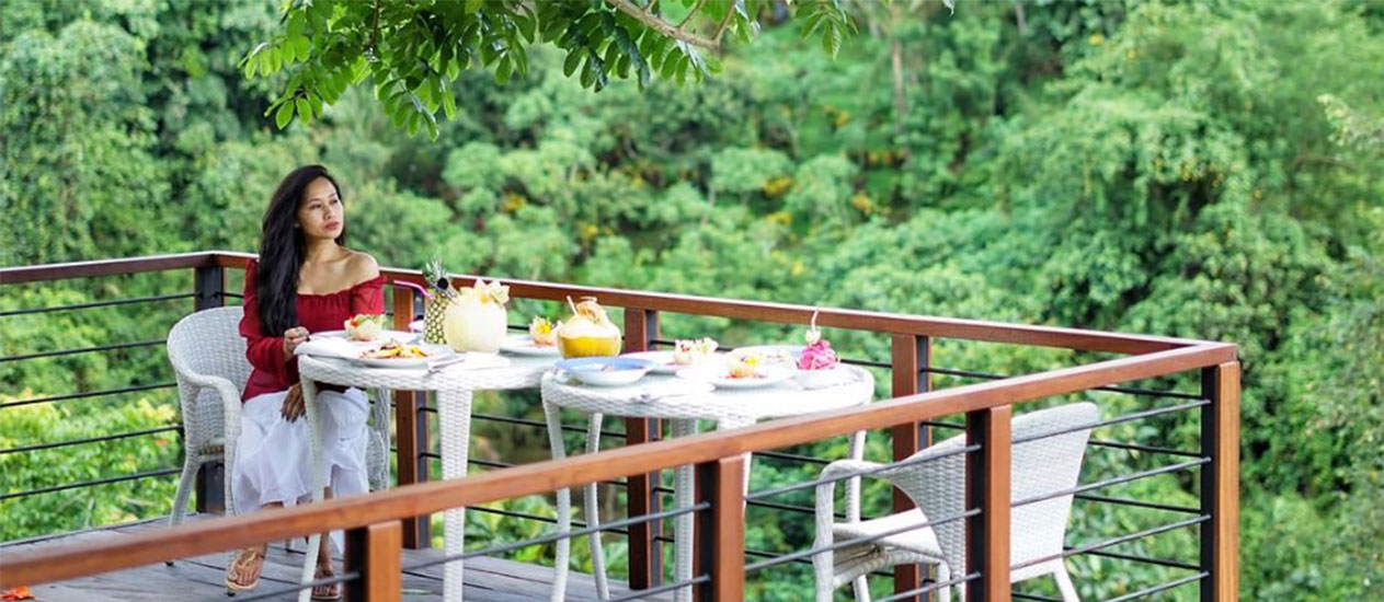 Forest Lunch at Tree Deck overlooking tropical jungle forest, Ubud Picnic Lunch Experience, Kamandalu Ubud, Bali
