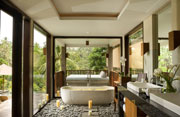 En-suite bathroom - Hotel Full Board Package, Bali