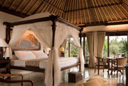 Private Pool Villa - Kamandalu Experience Package