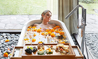 Romantic Flower Bath with sparkling wine at your private villa