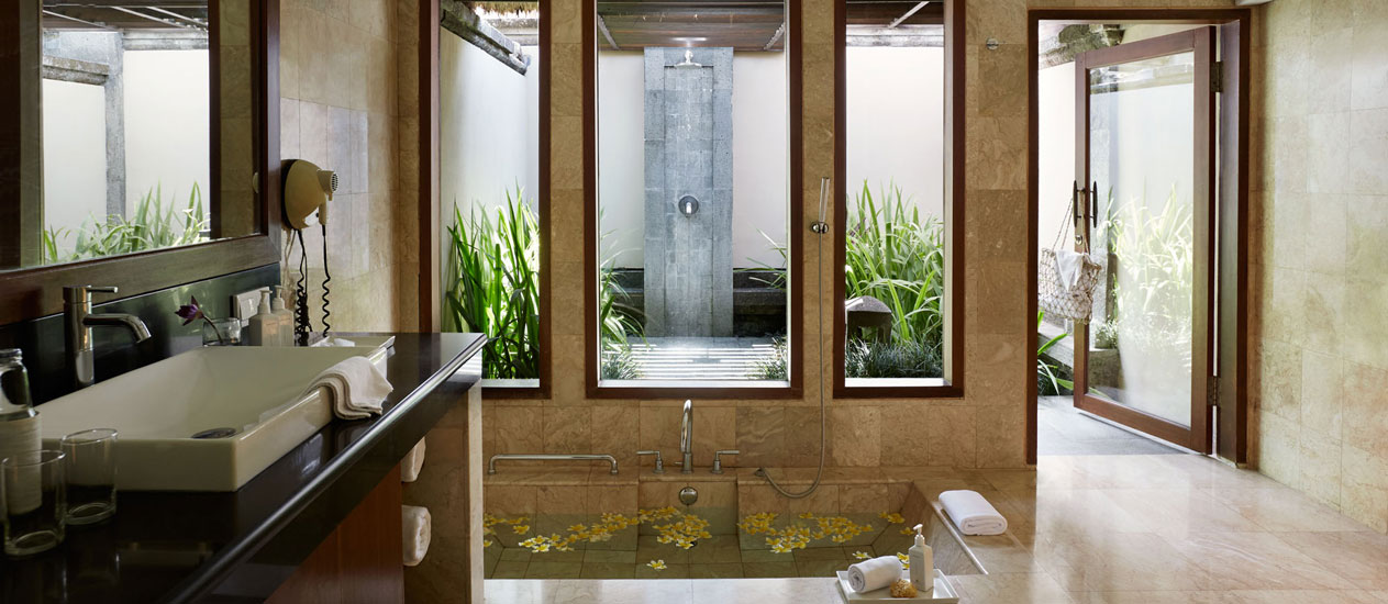 Ubud Chalet Bathroom, Kamandalu Ubud, Bali - luxury resort and spa