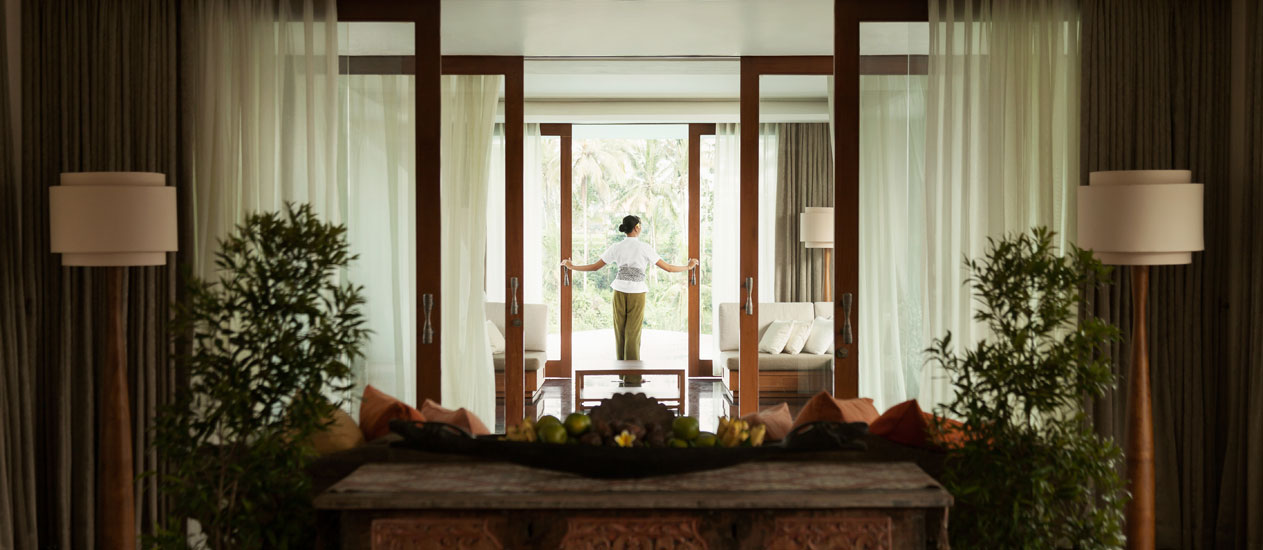Butler service at Three Bedroom Pool Villa, Kamandalu Ubud, Bali - Presidential Villa Rama