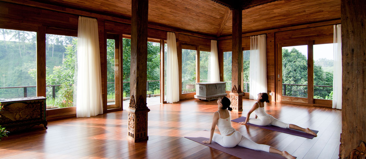 Daily Yoga Class, Yoga Retreat Group at Kamandalu Ubud, Bali